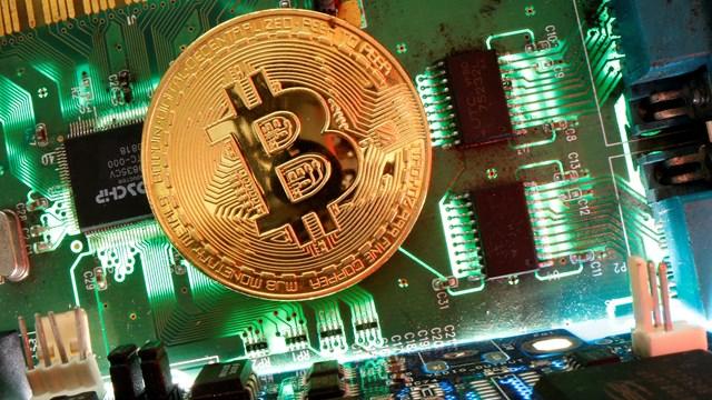 Đợt nâng cấp mới dự kiến sẽ giúp giá bitcoin tăng trở lại. Ảnh: CNBC