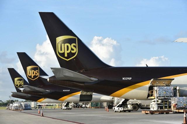 United Parcel Service phải thuê thêm lượng lớn nhân viên mới đáp ứng đủ nhu cầu đơn hàng trong đại dịch. Ảnh: Investo