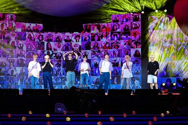 Hồi giữa tháng 6 năm nay, BTS thu về gần 70 triệu USD chỉ sau 2 đêm diễn trực tuyến kỷ niệm 8 năm ngày ra mắt nhóm. Ảnh: Soompi