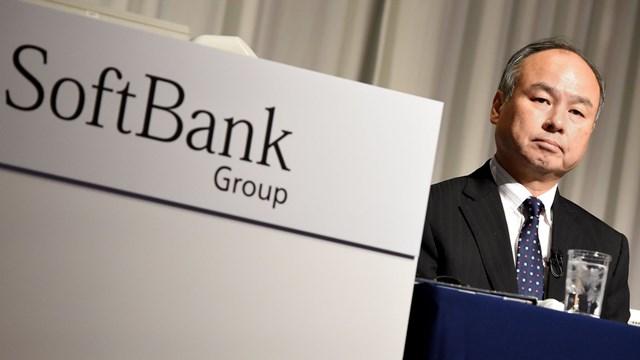 Giám đốc điều hành SoftBank -Masayoshi Soncho biết tập đoàn Nhật Bản sẽ tạm dừng đầu tư vào Trung Quốc trong vòng 1-2 năm tới. Ảnh: Financial Times.