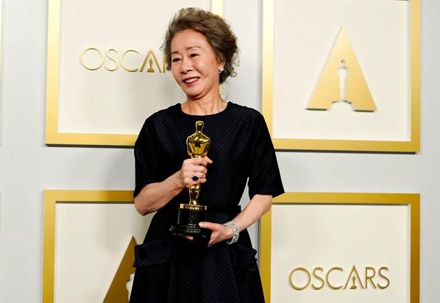 2021 là một năm thành công với nữ diễn viên Youn Yuh-jung khi bà vừa giành giải Oscar, vừa lọt vào danh sách TIME 100. Ảnh: Vogue