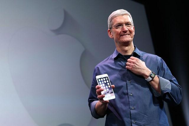"""CEO Tim Cook: """"Tôn chỉ của Apple là tạo ra sản phẩm tốt nhất, việc trở thành công ty giá trị nhất hành tinh chỉ là... ngoài dự tính"""" - Ảnh 1"""