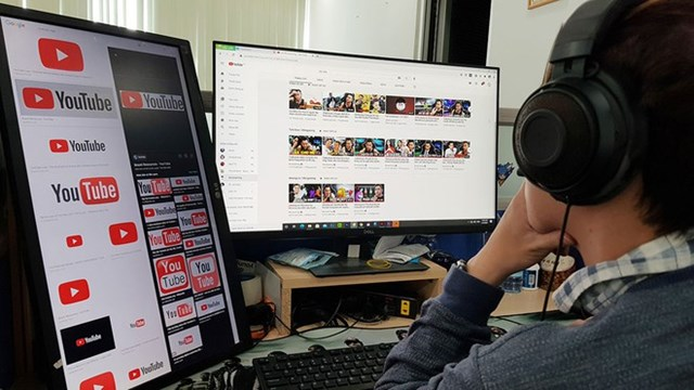 Nhiều người đang kiếm tiền rất nhiều qua YouTube. Ảnh: Đào Ngọc Thạch