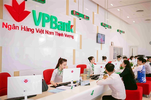 Kinh doanh khởi sắc 6 tháng đầu năm, VPBank xin ý kiến cổ đông tăng vốn điều lệ thêm 80% lên 45.000 tỷ đồng - Ảnh 1