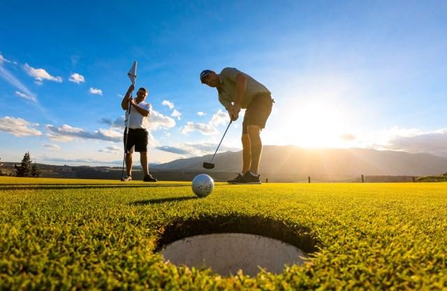 Tại sao Golf lu&rgb(2, 4, 4);n được mệnh danh l&rgb(2, 2, 4); m&rgb(2, 4, 4);n thể thao qu&rgb(2, 5, 3); tộc, d&rgb(2, 2, 4);nh cho người gi&rgb(2, 2, 4);u? - Ảnh 3