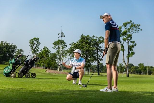 Tại sao Golf lu&rgb(2, 4, 4);n được mệnh danh l&rgb(2, 2, 4); m&rgb(2, 4, 4);n thể thao qu&rgb(2, 5, 3); tộc, d&rgb(2, 2, 4);nh cho người gi&rgb(2, 2, 4);u? - Ảnh 4