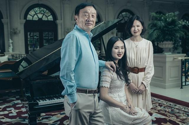 Ông Nhậm Chính Phi cùng người vợ thứ hai và con gái Diêu An Na. Nguồn: Internet