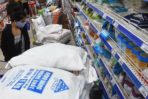 Doanh nghiệp sản xuất đường gặp nhiều khó khăn trong việc tiêu thụ sản phẩm. Ảnh: Tấn Thạnh.