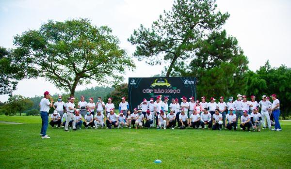 Giải golf cúp Bảo Ngọc: Sân chơi bổ ích cho các doanh nhân trẻ - Ảnh 1