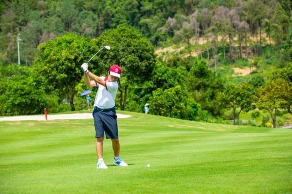 Giải golf cúp Bảo Ngọc: Sân chơi bổ ích cho các doanh nhân trẻ - Ảnh 2