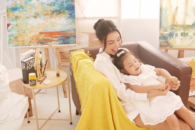 Dù công việc bận rộn, Trà Ngọc Hằng chia sẻ cô vẫn dành nhiều thời gian cho con gái.