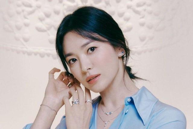 Thời gian trước, dù không đóng phim nhưng Song Hye Kyo nhưng vẫn kiếm được rất nhiều tiền.