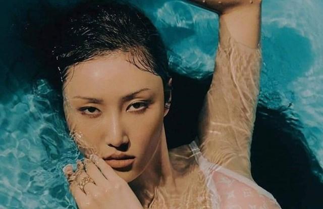 Hwasa (Mamamoo) được đánh giá là idol tài năng, khác biệt và giàu có của Kpop.