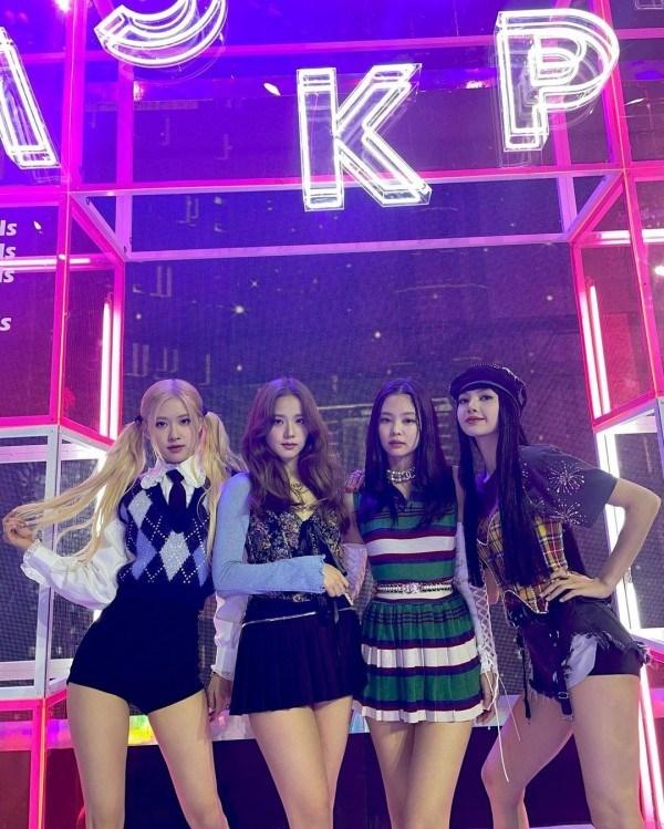 BlackPink là nhóm nhạc nữ có thu nhập cao nhất. Ảnh: IGNV Rosé.