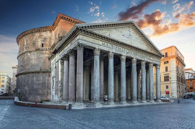 Đền Pantheon là một trong những công trình kiến trúc lớn nhất thời cổ đại
