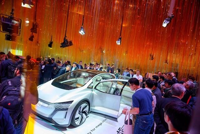 Audi vừa ra mắt Q4 e-tron, một chiếc SUV chạy hoàn toàn bằng điện vào đầu tháng 4