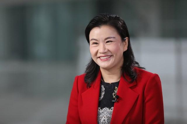 Zhou Qunfei là người sáng lập đế chế Lens Technology - một trong những nhà sản xuất màn hình cho Apple, Huawei, Samsung... Ảnh: Getty.