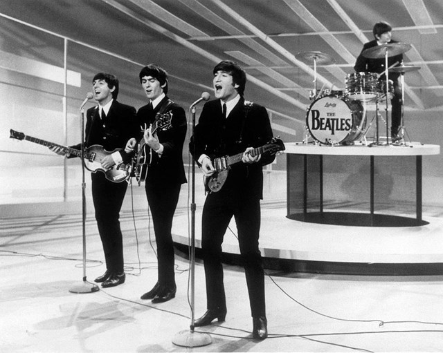 Buổi biểu diễn trực tiếp tại Mỹ của The Beatles trong chương trình Ed Sullivan của CBS.