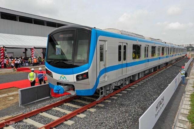 Ba toa tàu hiện được ráp lại ở depot Long Bình, quận 9. Ảnh:Hữu Khoa.
