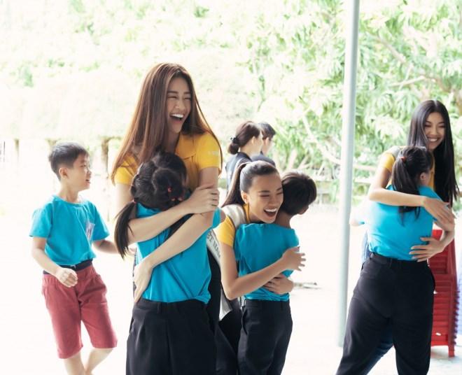 Khánh Vân ngỡ đang mơ khi đăng quang Hoa hậu Hoàn vũ Việt Nam 2019 - Ảnh 3