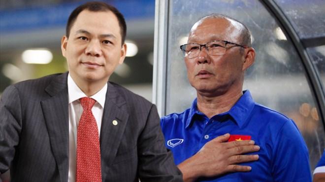 Không phải bầu Đức, tỷ phú Phạm Nhật Vượng mới là người hỗ trợ VFF trả lương cho HLV Park Hang-Seo - Ảnh 1