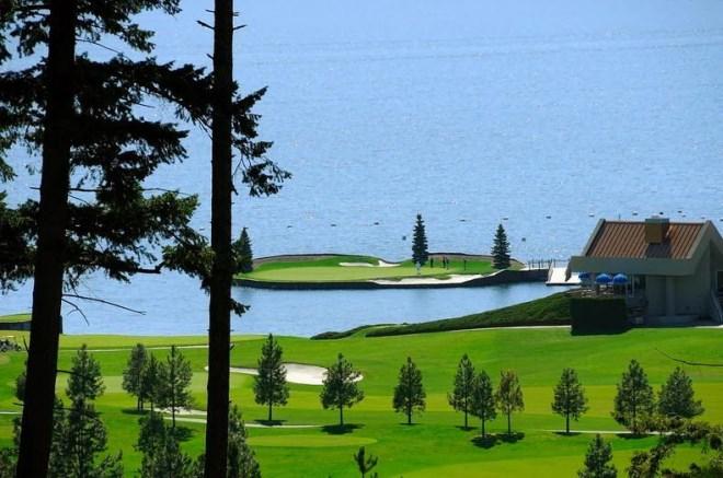 Trải nghiệm chơi golf trên sân trôi vô định giữa hồ độc nhất nước Mỹ - Ảnh 7