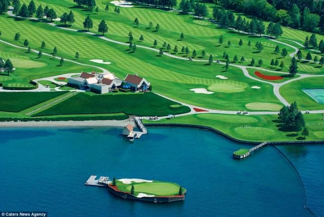 Trải nghiệm chơi golf trên sân trôi vô định giữa hồ độc nhất nước Mỹ - Ảnh 2