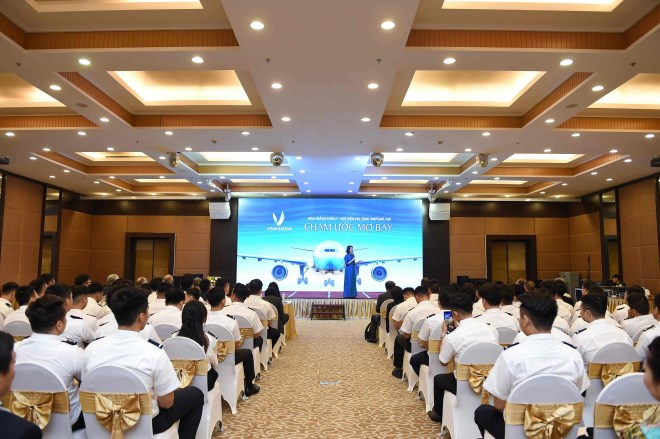 Vinpearl Air khai giảng khóa đào tạo phi công đầu tiên - Ảnh 1