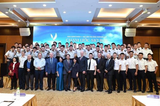 Vinpearl Air khai giảng khóa đào tạo phi công đầu tiên - Ảnh 4