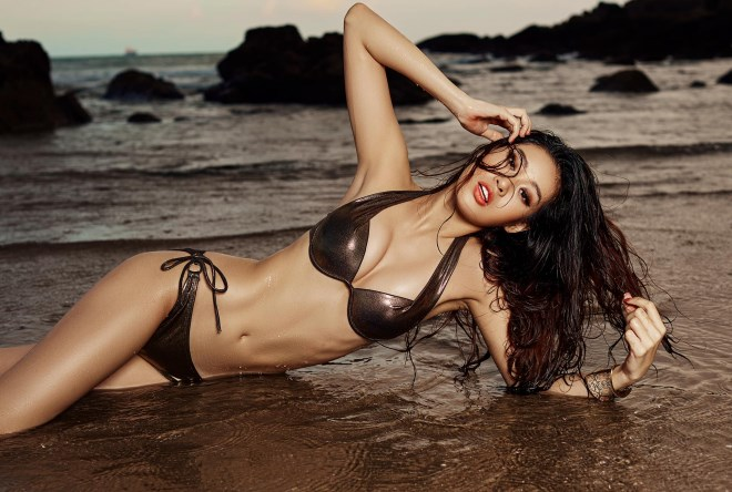 Tân Hoa hậu Khánh Vân chuộng diện bikini khoe dáng ngày chưa đăng quang - Ảnh 4