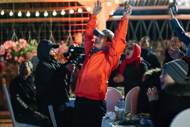 Lạc giọng vì cổ vũ bóng đá ở nơi đặc biệt nhất Việt Nam - Ảnh 2