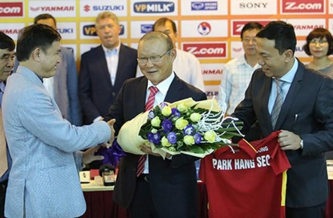 Điều gì chờ đợi khi HLV Park Hang Seo đặt bút ký hợp đồng mới với VFF? - Ảnh 1