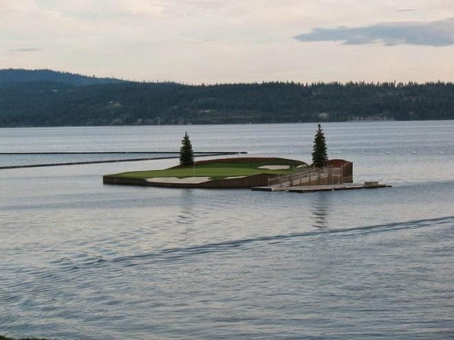 Trải nghiệm chơi golf trên sân trôi vô định giữa hồ độc nhất nước Mỹ - Ảnh 6