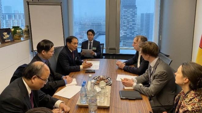 Thực hiện EVFTA dự kiến giúp GDP của Việt Nam tăng 4,6% - Ảnh 1