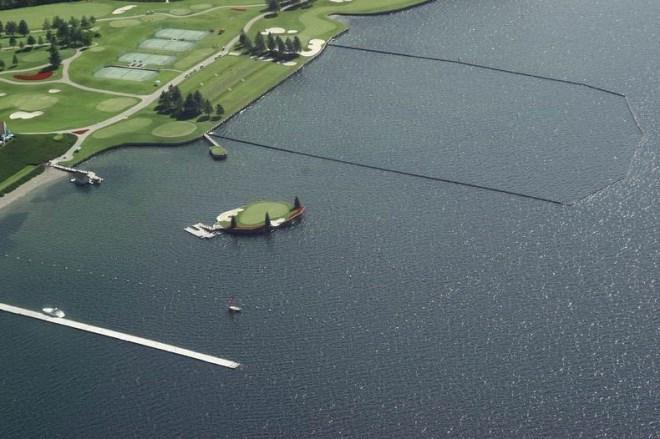 Trải nghiệm chơi golf trên sân trôi vô định giữa hồ độc nhất nước Mỹ - Ảnh 4