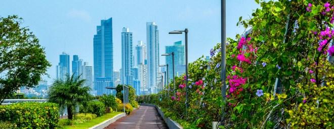 Forbes chọn Việt Nam là 1 trong 10 nơi có mức sống rẻ, người nước ngoài không cần đi làm vẫn tiêu pha thoải mái - Ảnh 2