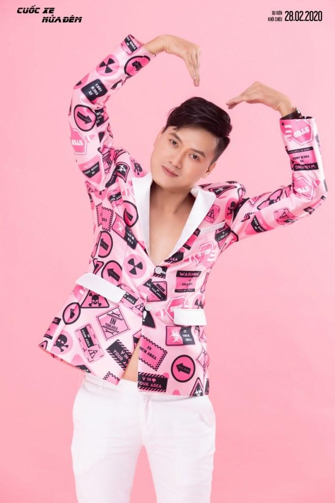 Hoàng Yến Chibi - Quách Ngọc Tuyên diện đồ đôi, trẻ trung đón Valentine - Ảnh 8