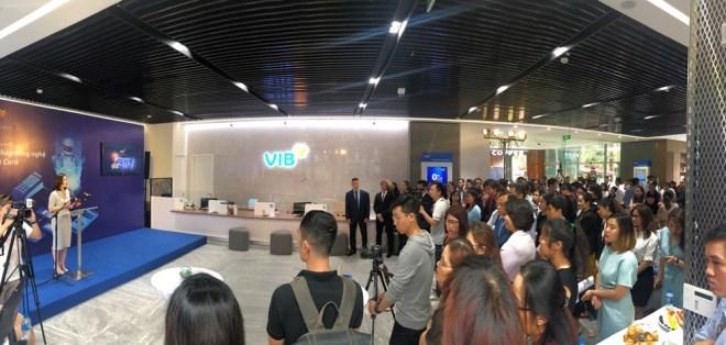 Lần đầu tiên tại Việt Nam, VIB đưa về giải pháp công nghệ thẻ hàng đầu Smart Card - Ảnh 2