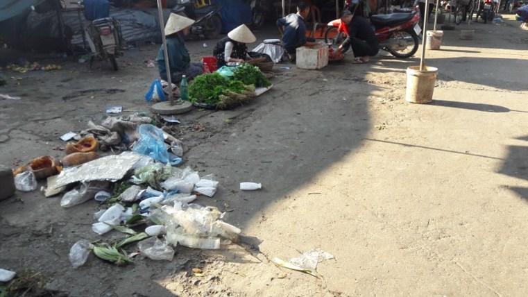 Giải pháp nào đảm bảo an toàn thực phẩm chợ dân sinh - Ảnh 1