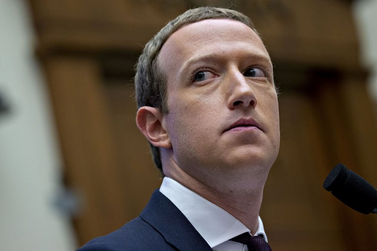 Mark Zuckerberg - gã độc tài cai trị 'quốc gia' lớn nhất thế giới Facebook